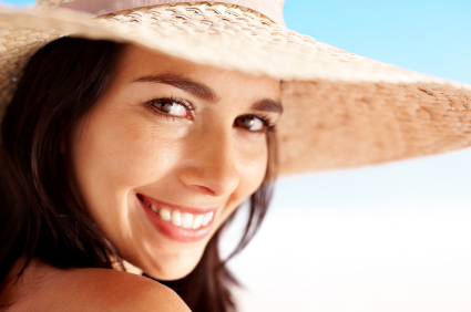 How to Brighten Your Smile in Time for Summer Fun